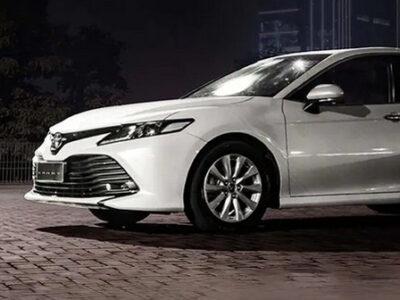 Eksterior-Toyota-Camry-jasasewamobilpekanbaru.com-(2)